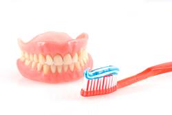 義歯を使用するにあたっての注意点